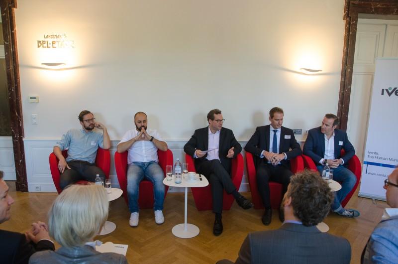 Bild Iventa Business Breakfast. Die 5 Vortragenden während der Veranstaltung.