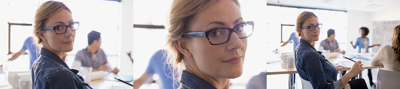 Bild Training & Entwicklung. Iventa Mitarbeiterin während eines Meetings auf Ihrem Platz.